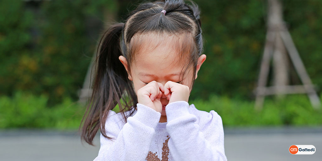 Know the Signs of Vision Problems in Baby